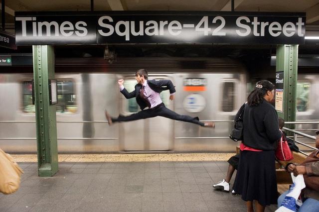 Vita quotidiana di un ballerino, tra un'acrobazia e un passo di danza