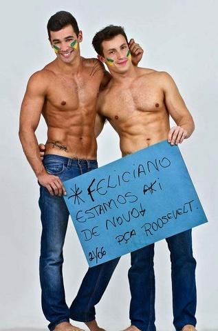 Il fotografo e due attivisti: foto sexy e messaggi contro l'omofobia