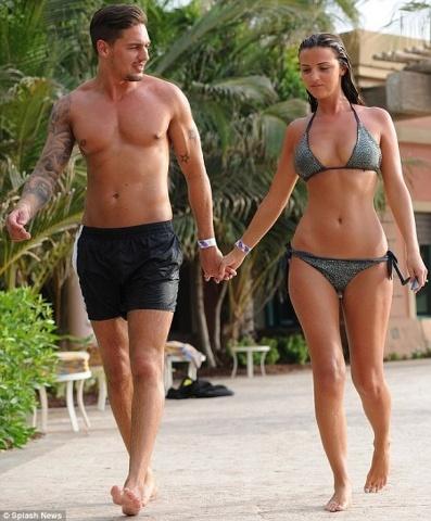 Mario Falcone e la vacanza hot ad Ibiza