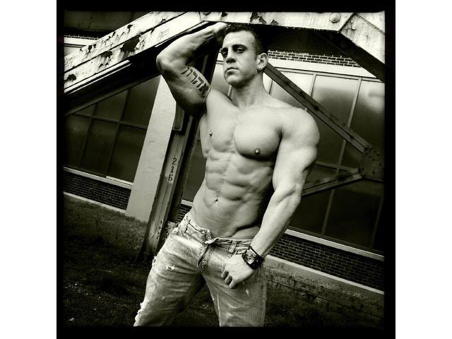Muscolosi e tatuati? Bellissime imperfezioni