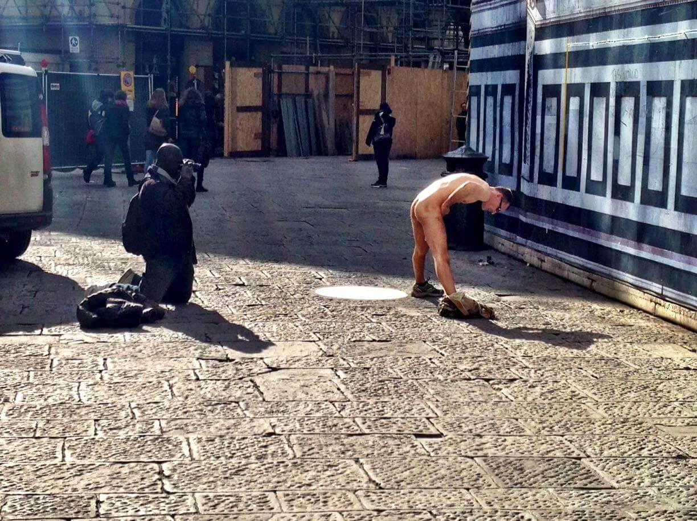 Duomo di Firenze: uomo resta nudo, scattano le ricerche