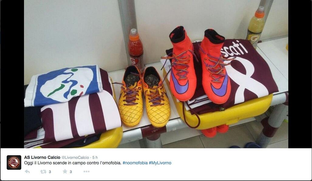 #IDAHOT: i calciatori del Livorno scendono in campo contro l'omofobia
