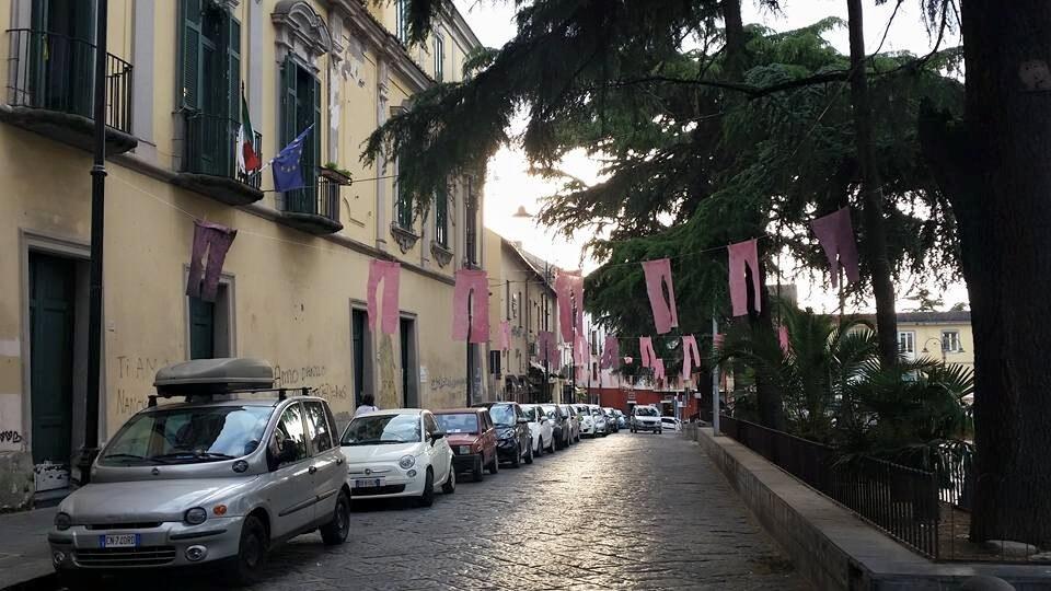Somma Vesuviana: pantaloni rosa nelle strade contro l'omofobia