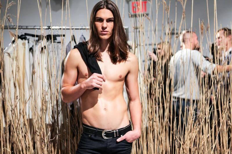 I modelli più boni di Milano Moda Uomo (e i loro contatti social)