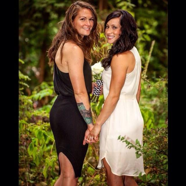 Le calciatrici lesbiche si sposano e pubblicano le foto sui social