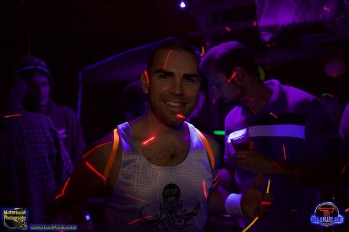 Glow Me: il fluo underwear party, la gallery