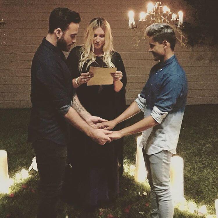 Kesha celebra un matrimonio same-sex - GALLERY