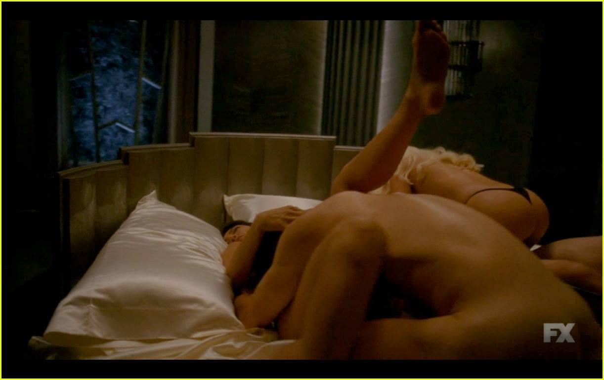 Matt Bomer e Lady Gaga insieme in AHS: le foto hot