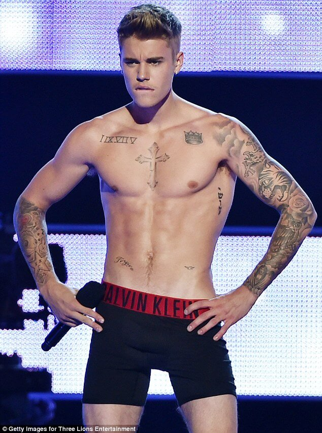 1 milione di dollari per il clone del pene di Bieber