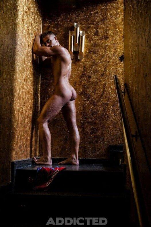 Den_wok_naked_hot_sexy_ass