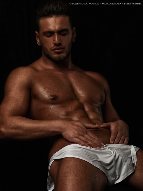 helios_woods_abs_bulge_cock_naked