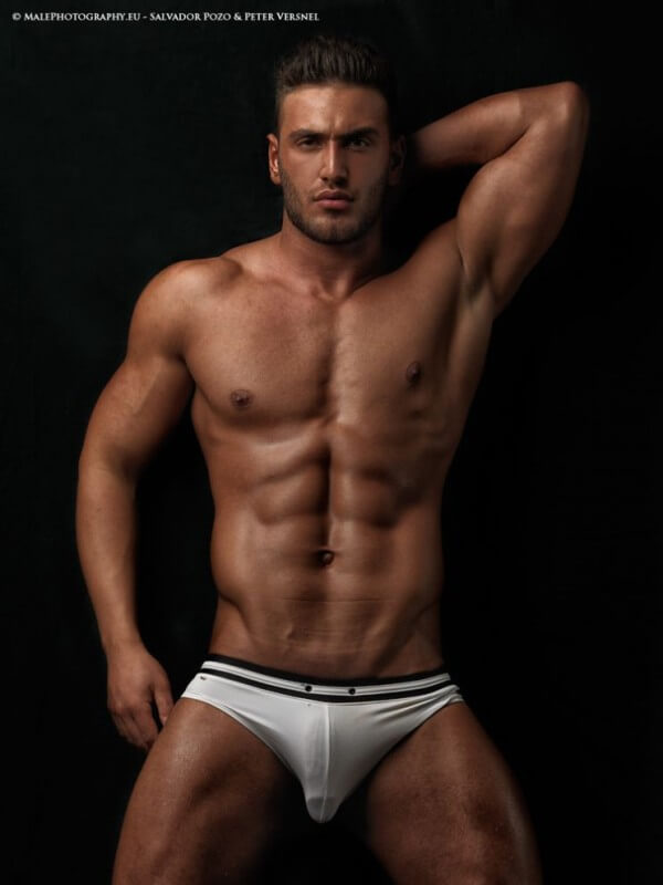 helios_woods_abs_bulge_naked