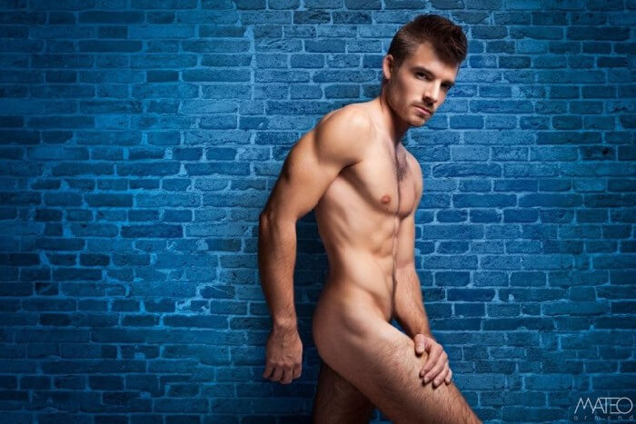 Max_Mayet_naked