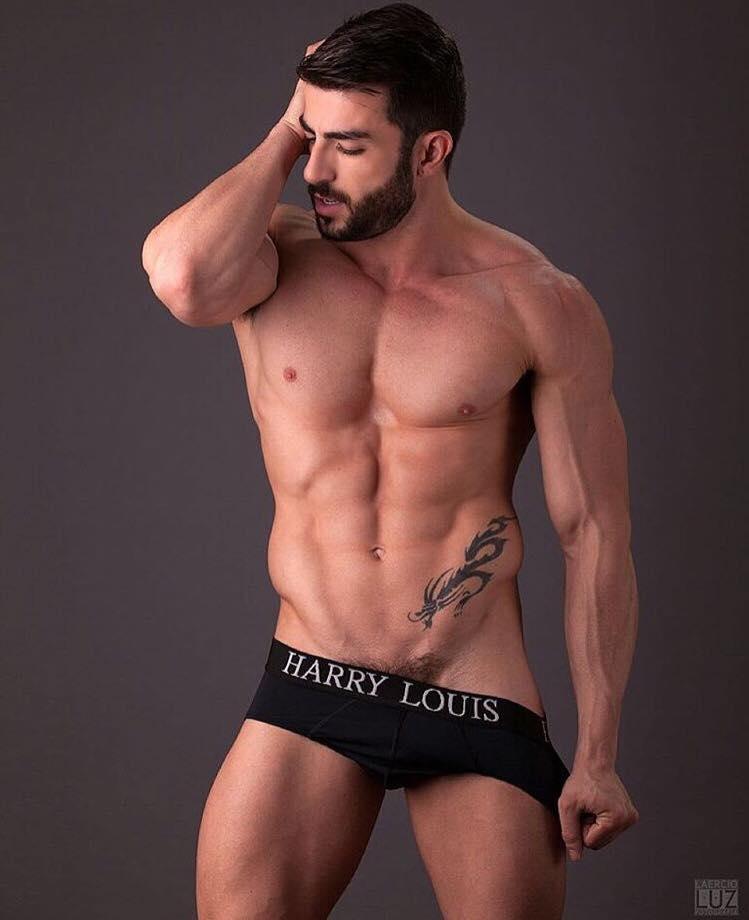 L'ex attore porno Harry Louis lancia il suo underwear