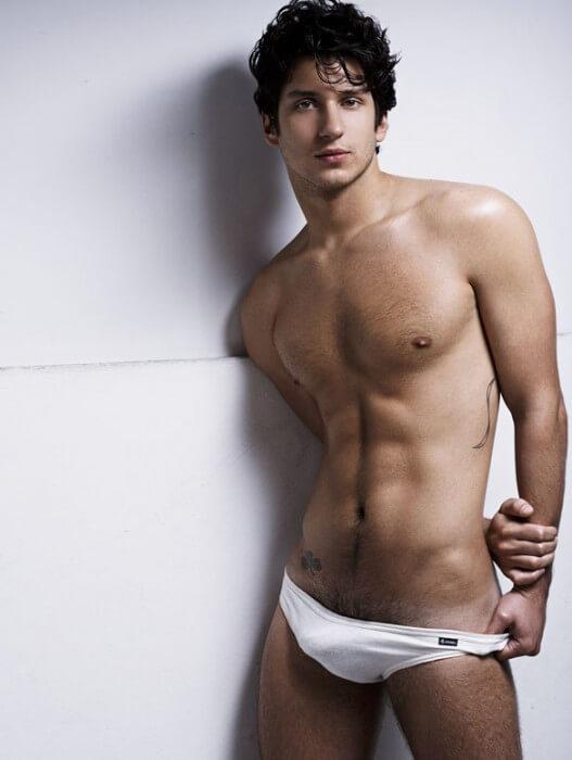 CG_Kelly_Sexy_Hunk_bulge