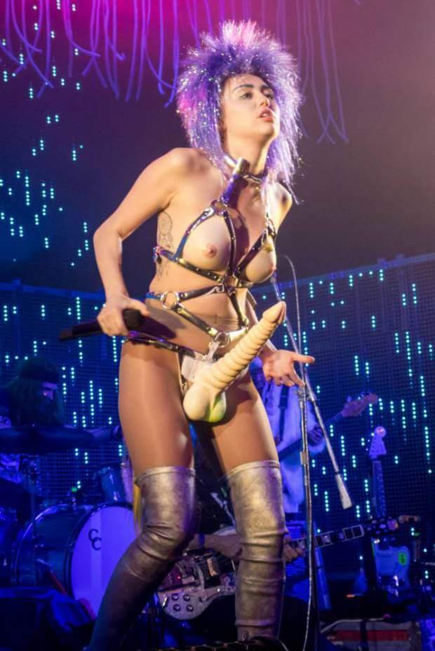 Miley_cyrus_tette_nude_pisello_duro