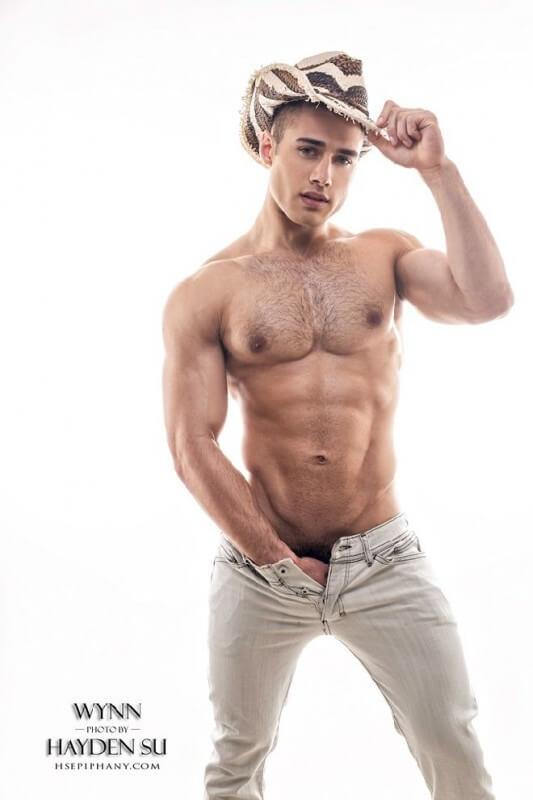 Quinton_Wynn_hat_jeans