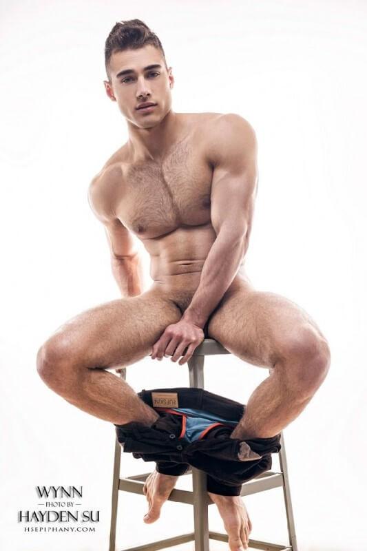 Quinton_Wynn_naked_feet