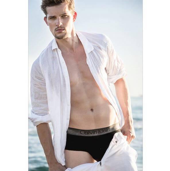 americas_next_top_model_chris_hernandez