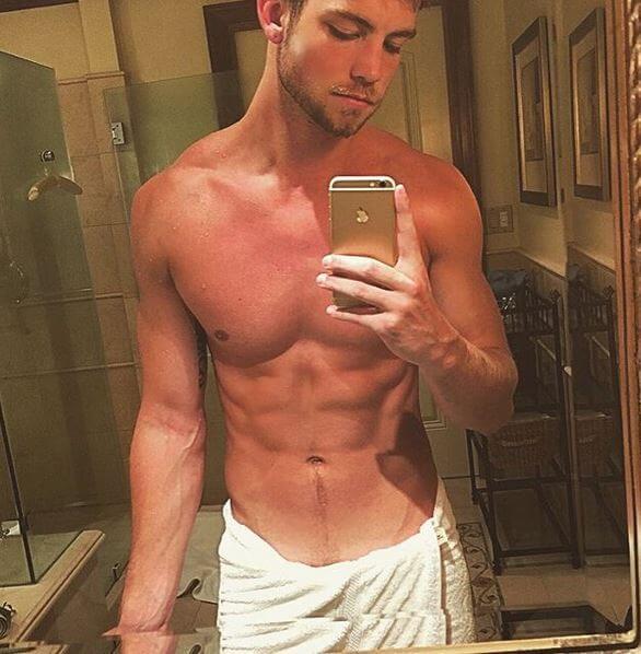 dustin_mcneer_americas_next_top_model_bath