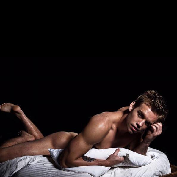 dustin_mcneer_americas_next_top_model_naked_feet