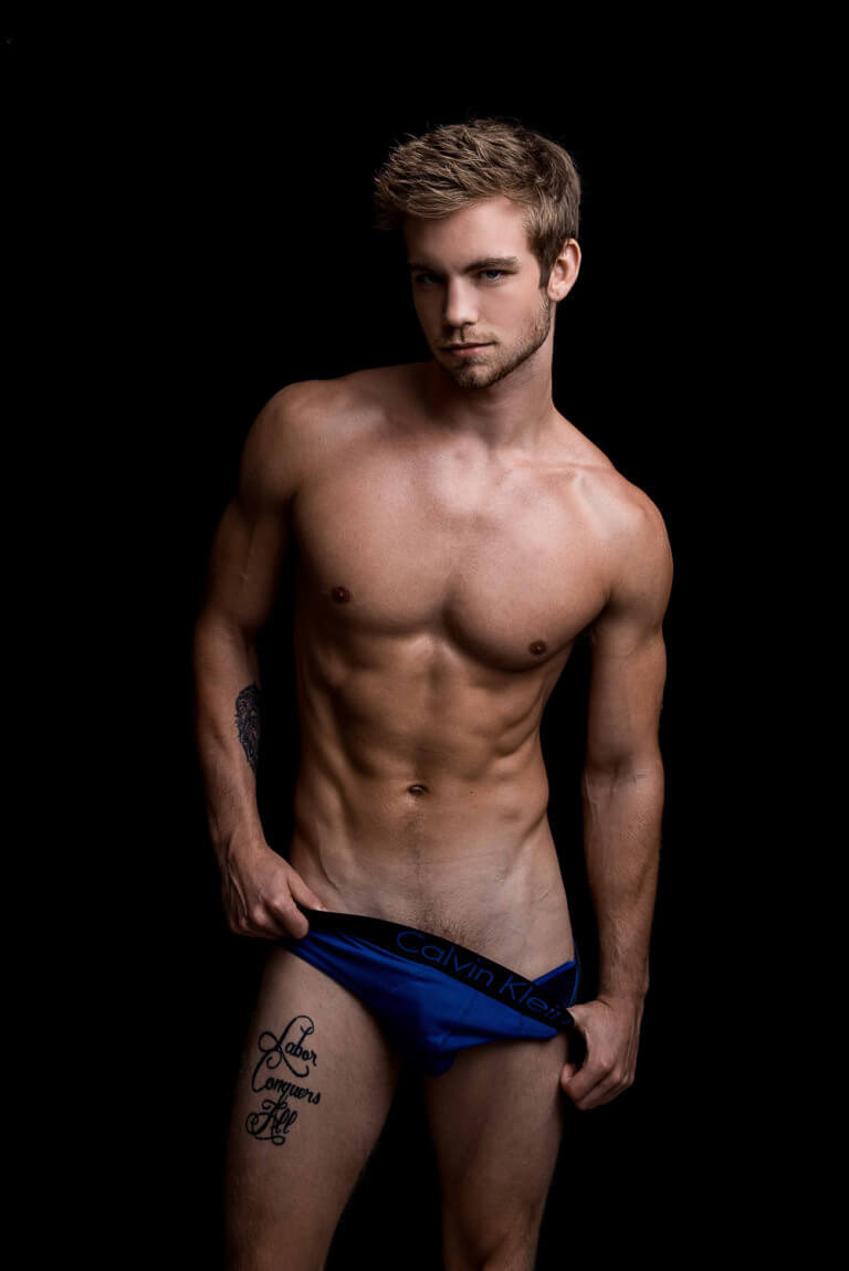 America's Next Top Model: il biondino super hot Dustin McNeer