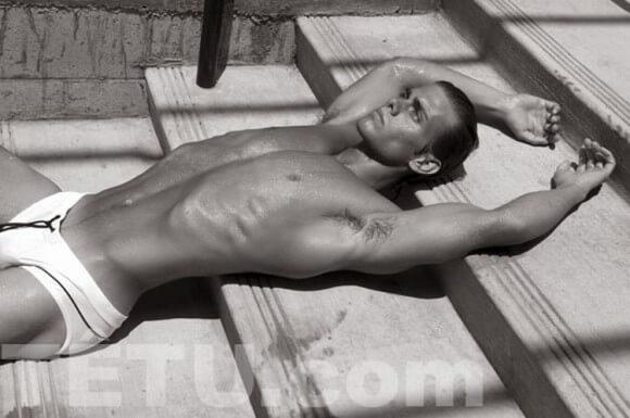 Charlie_Preston_nudo_corpo_sexy