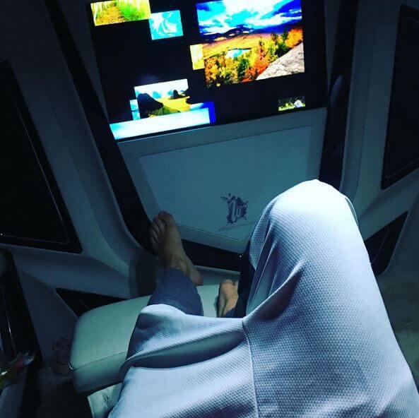 Justin_Bieber_fisico_sexy_piedi
