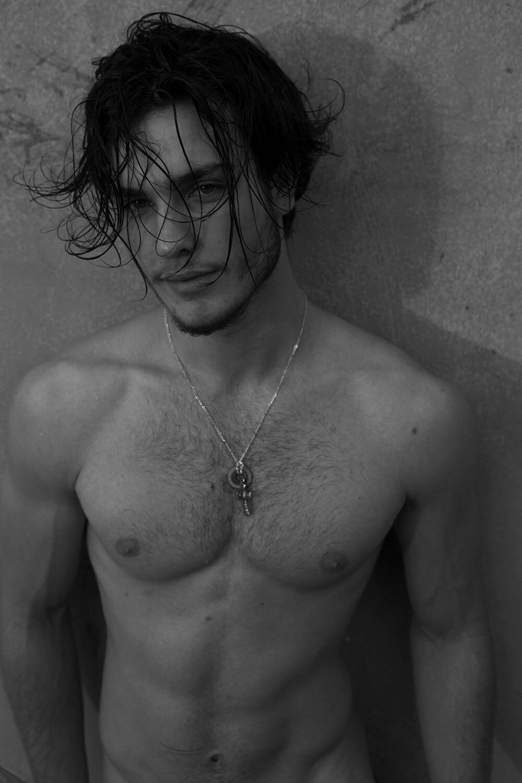 Leo_Fogolin_fisico_modelli_brasiliani
