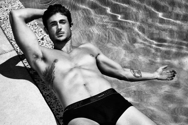 Matthew_Smith_americas_next_top_model_piscina