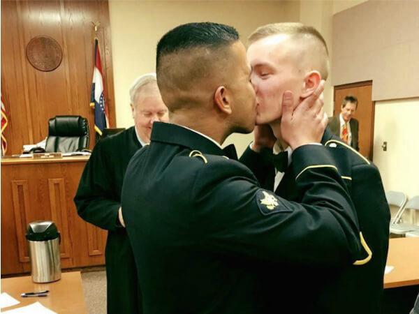 gay militare sesso Blog