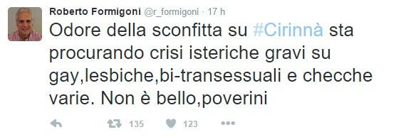 Formigoni e gli insulti omofobi (da chi fa l'isterica in aeroporto)