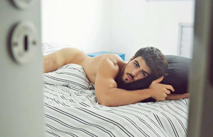 juliano_laham_BBB16_fisico_sexy_nudo