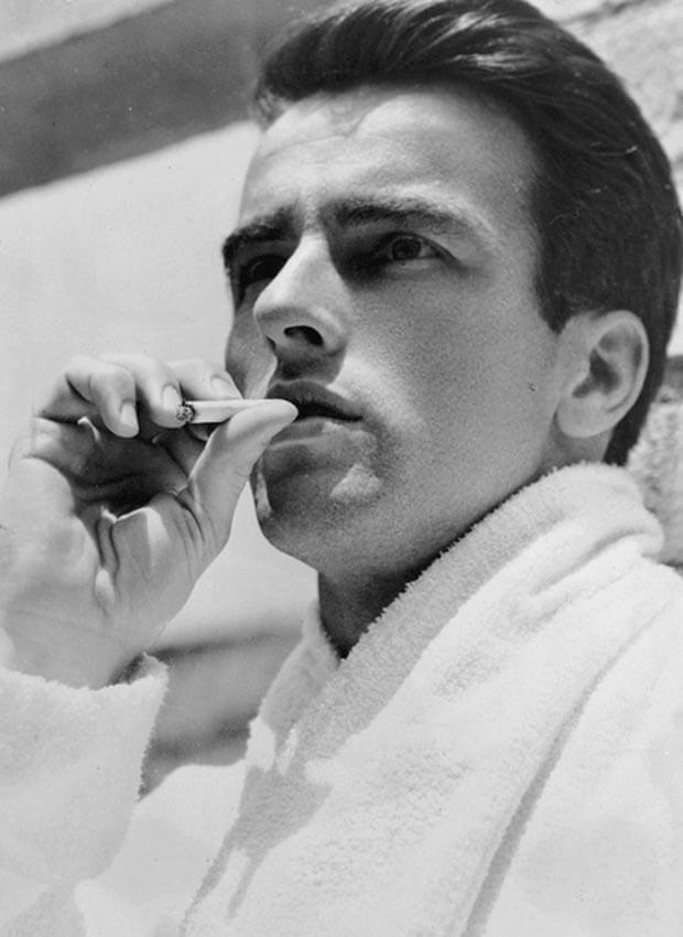 Montgomery_Clift_sigaretta