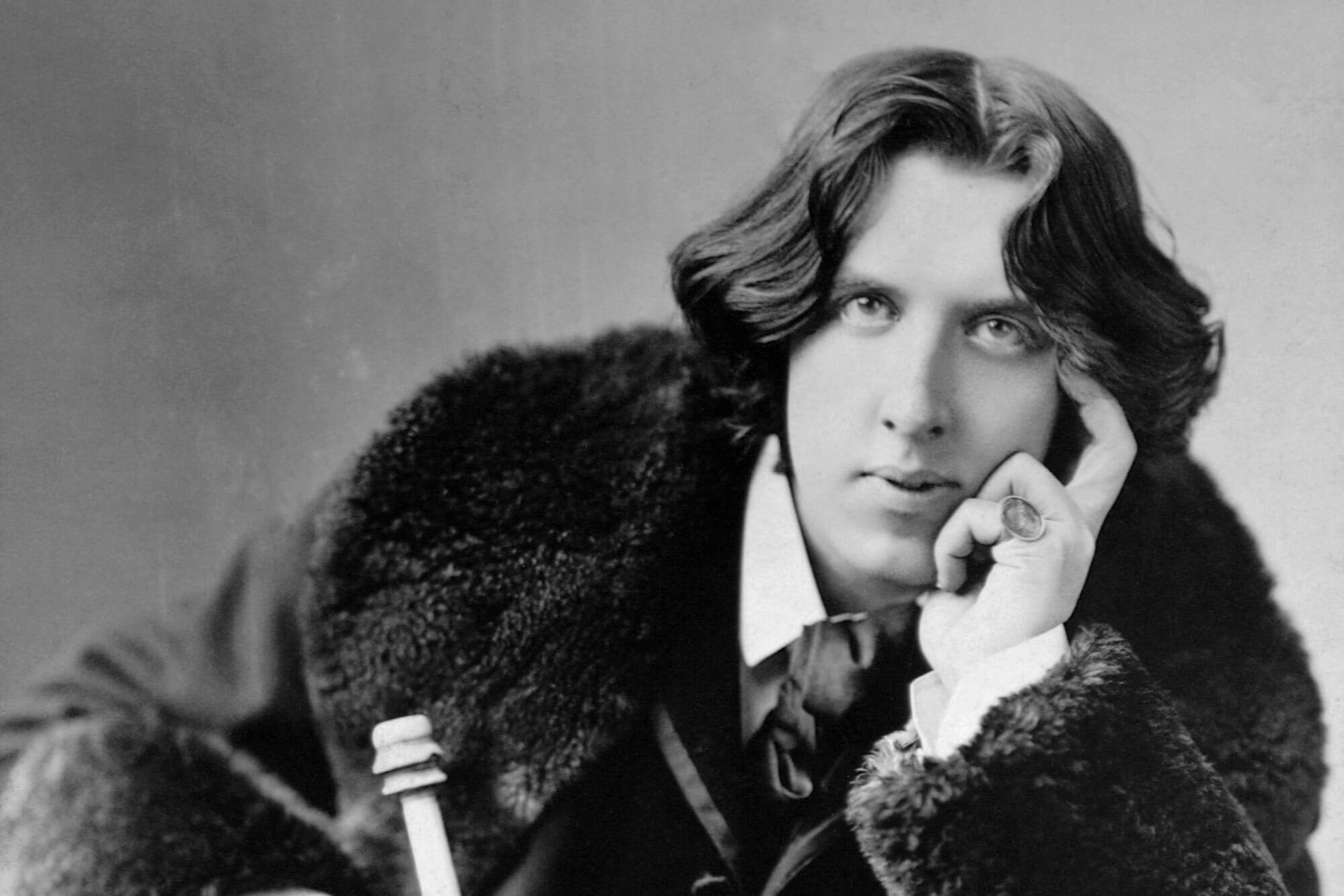 Oggi giornata della poesia: ecco i dieci poeti gay più famosi