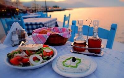 cucina-greca-ristorante-gay-sul-mare