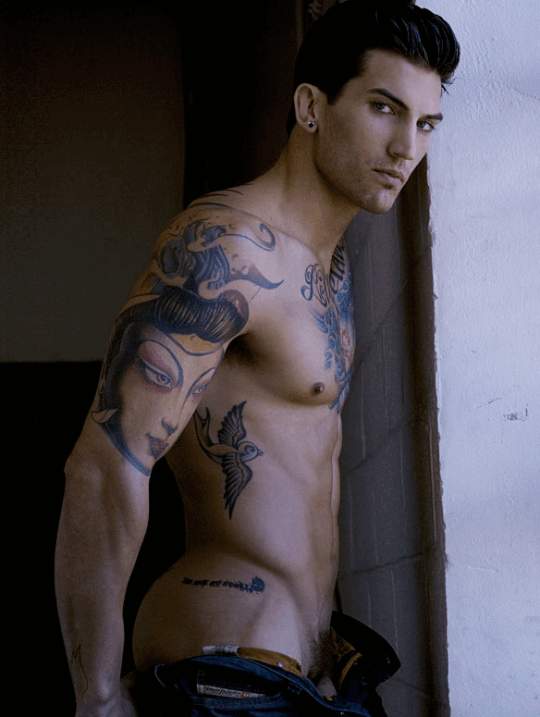 adam_von_rothfelder_nudo_fisico_sexy