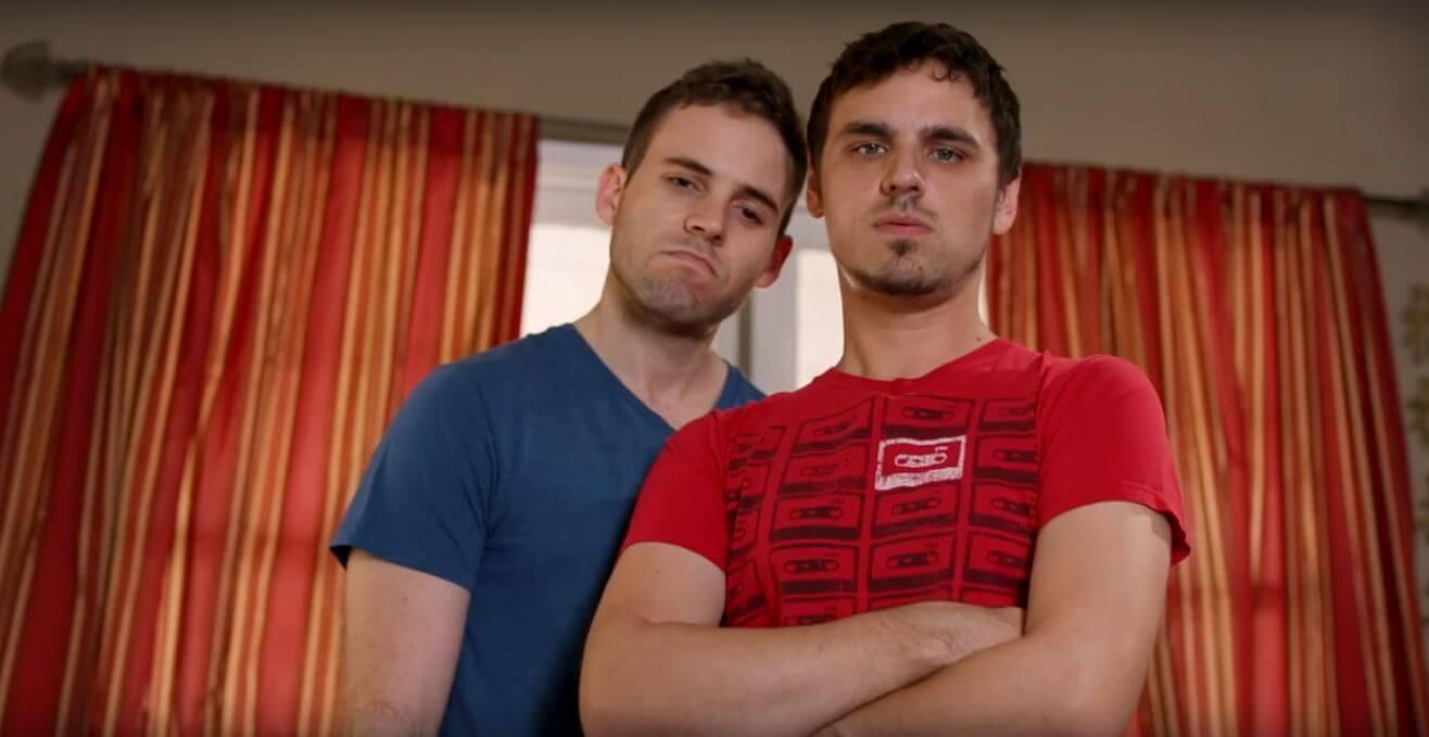buzzfeed_strane_cose_che_fanno_coppie_gay_vita_pubblica_vs_vita_privata