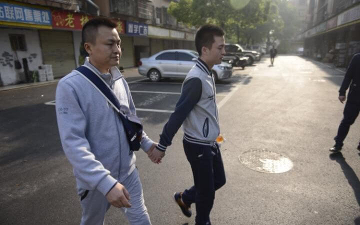 Cina: il tribunale dice no al matrimonio gay, ma la battaglia va avanti