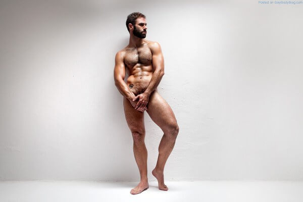 Francesc_Gasco_nudo_piedi_modelli_peli