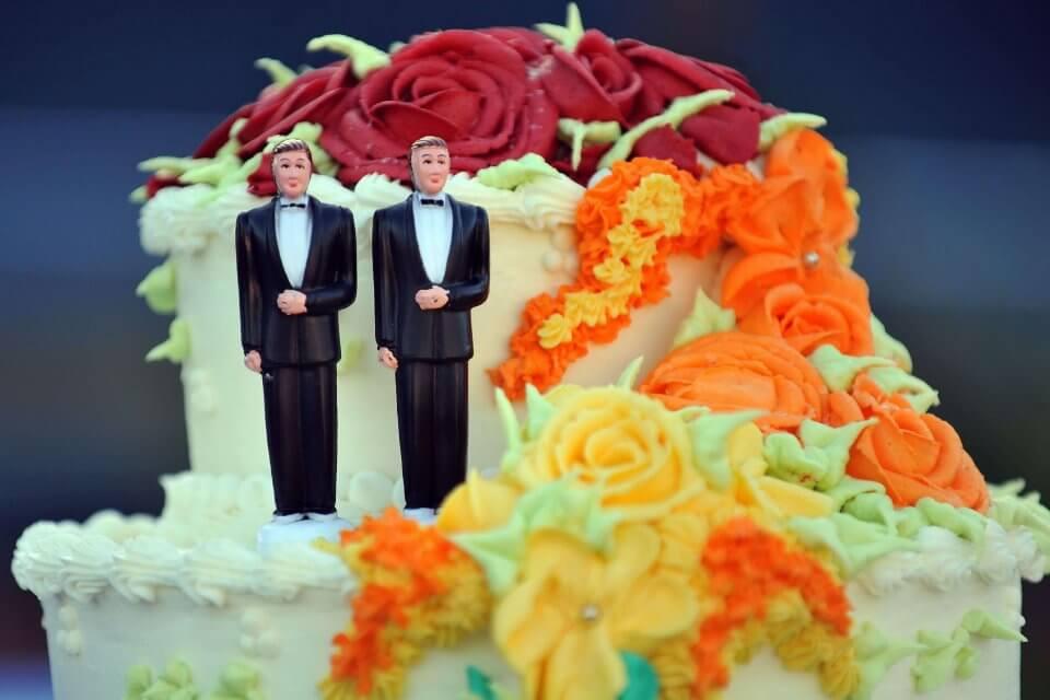 torta matrimonio coppia gay