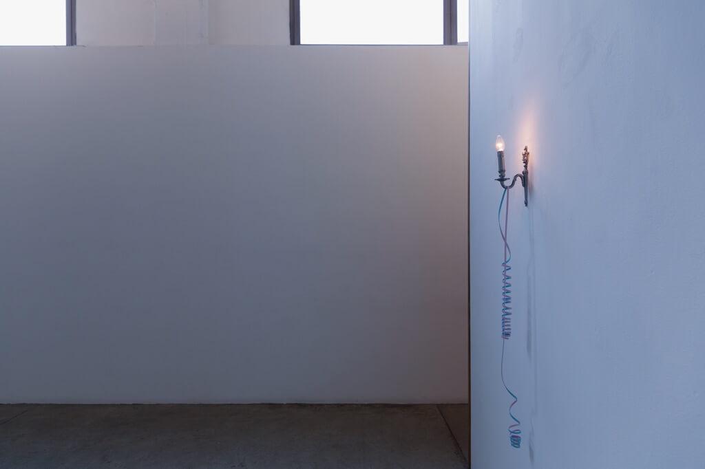 Elmgreen-Dragset-–-Stigma-–-veduta-della-mostra-presso-la-Galleria-Massimo-De-Carlo-Milano-2015-photo-Roberto-Marossi-courtesy-Massimo-De-Carlo-Milano-Londra-1
