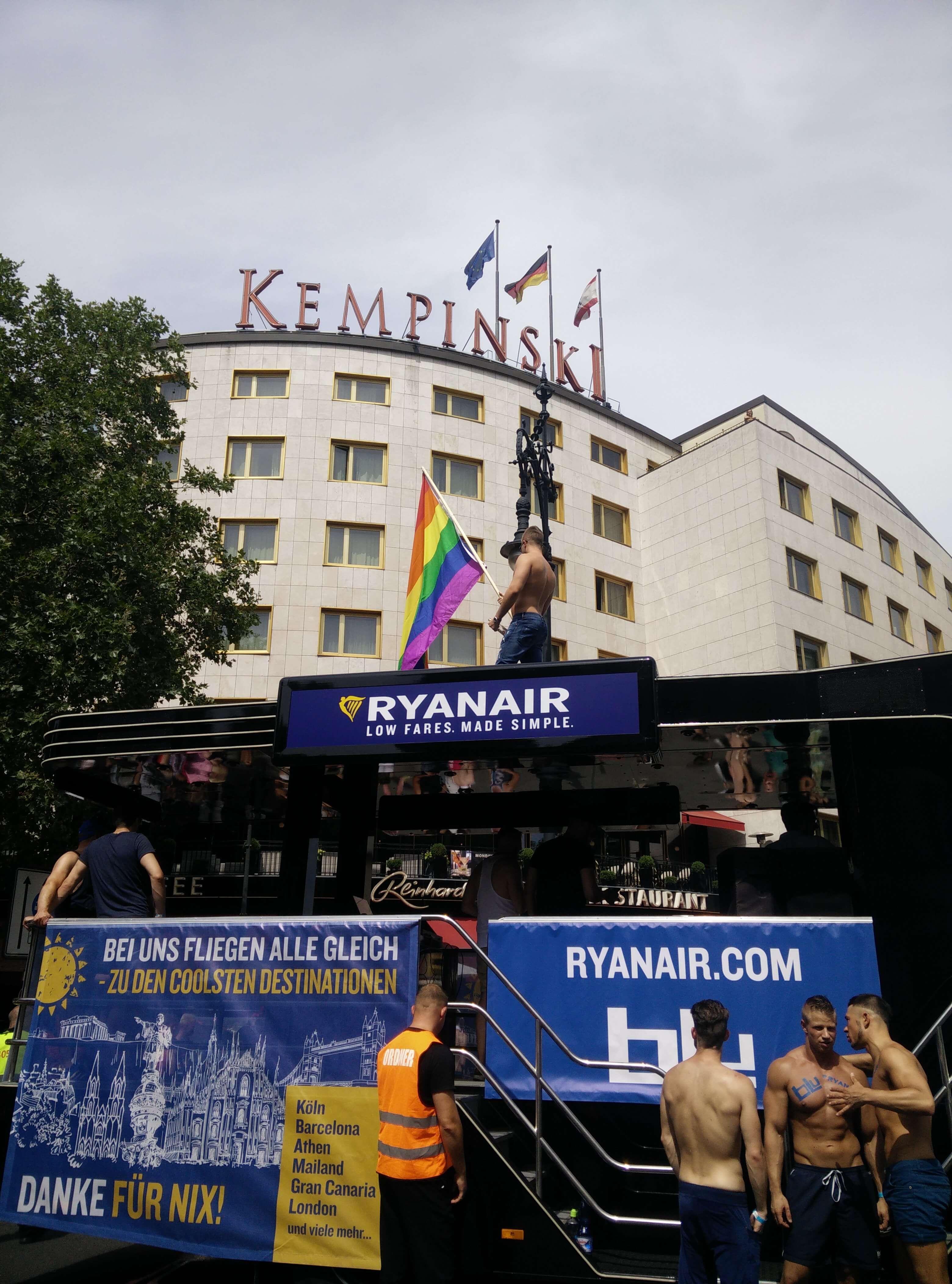 Un bagno mistico nella libertà: è il Berlin Pride