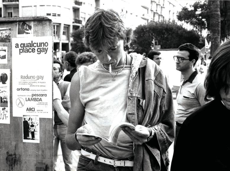 In piazza Salotto a Pescara viene presentato il gay camp di Ortona.