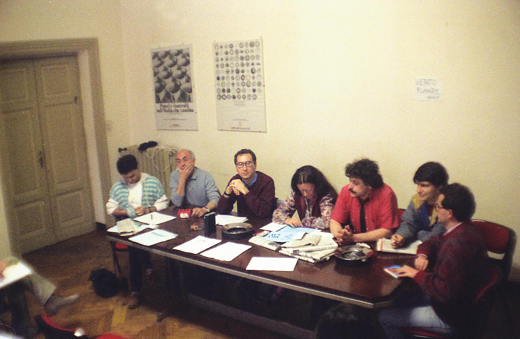 Riunione storica dell'Arci-gay a Roma. Si riconoscono da sinistra Felix, don Marco Bisceglia, Franco Grillini, Daniela Rossi, Beppe Ramina, Nichi Vendola e Luigi Amodio.