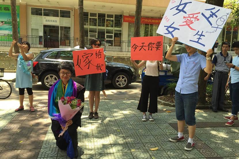 university-lesbian-student's-public-proposal-obscene-001