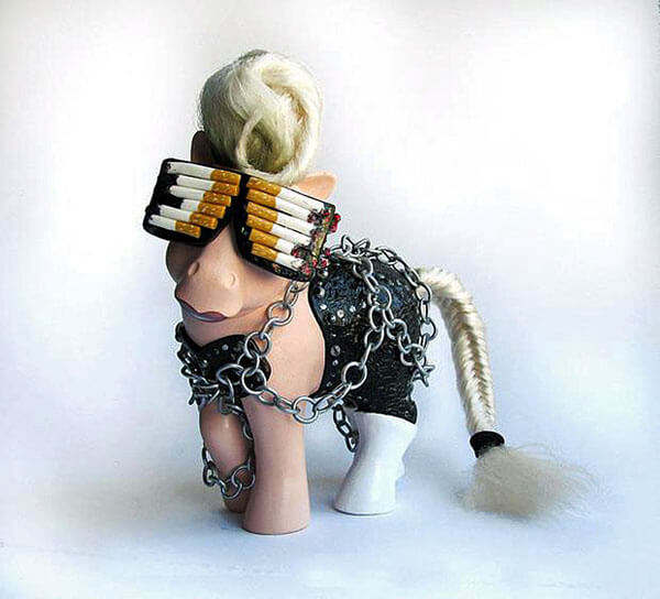 Le icone della musica, dell'arte e del cinema diventano Mini Pony