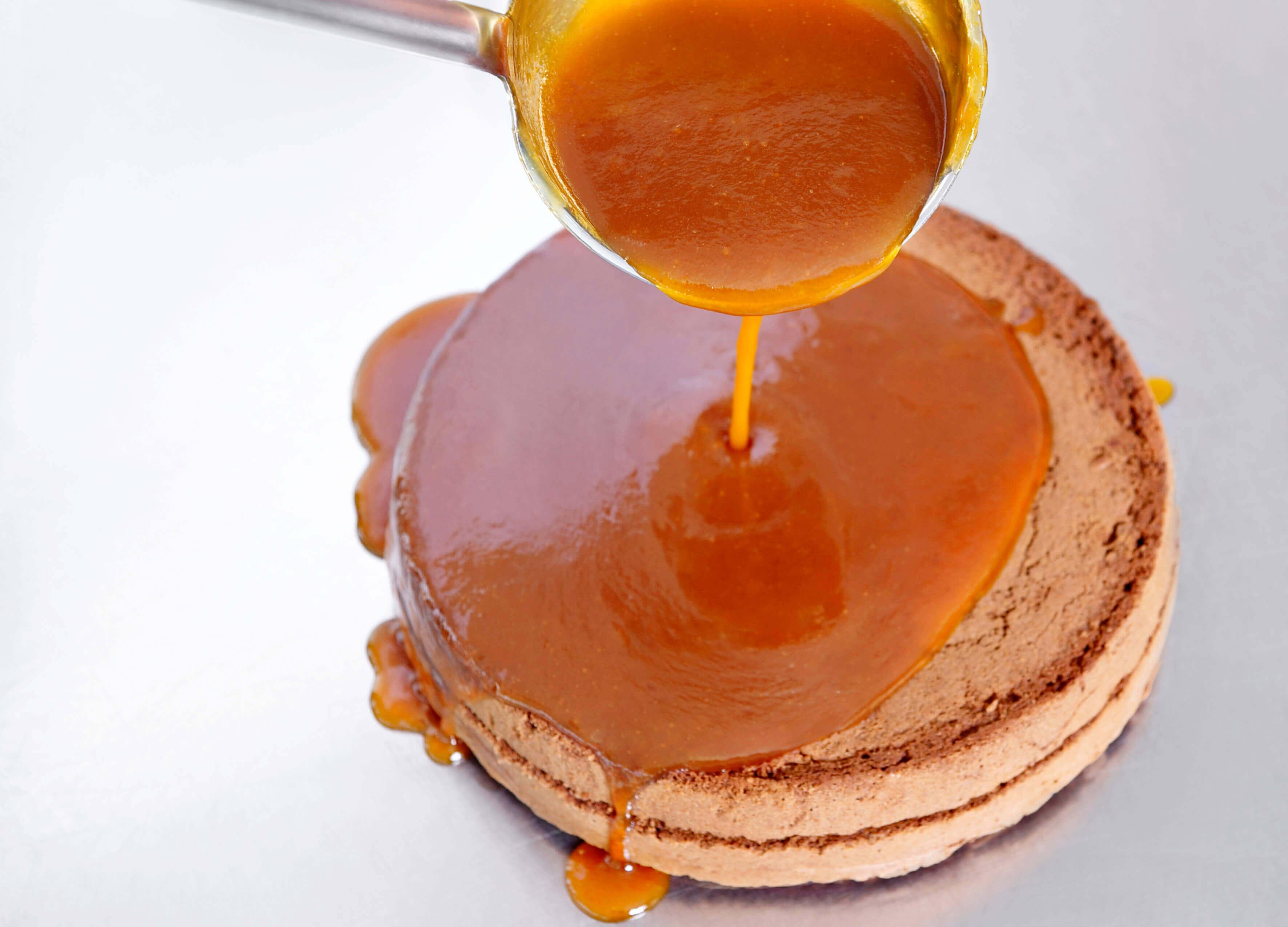 original-sacher-torte-apricotieren
