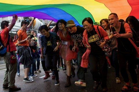 gay incontri siti Web per 14 anni di età datazione coordinatore stipendio