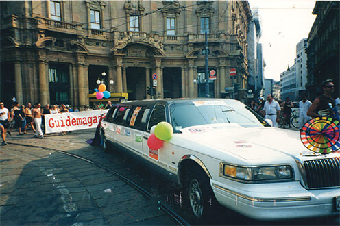 La limousine dell'After Line in Piazza Cordusio a Milano.